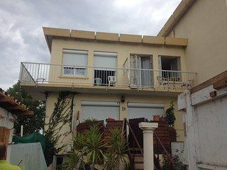 Petit studio équipé face à la plage premier étage - Palavas-les-Flots vacation rentals