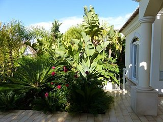 LUXURY 4 BEDROOM, POOL VARRANDAS DO LAGO ALGARVE - Quinta do Lago vacation rentals