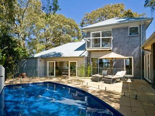 Comfortable 4 bedroom Whale Beach House with Private Outdoor Pool - Whale Beach vacation rentals