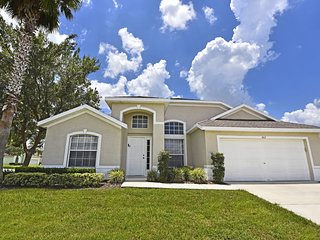 Spacious Vacation Pool Home in Hampton Lakes - Davenport vacation rentals