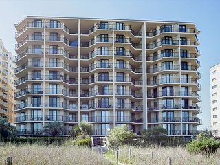 Beautifully Decorated and Well Kept oceanfront condo sleeps 6 - North Myrtle Beach vacation rentals