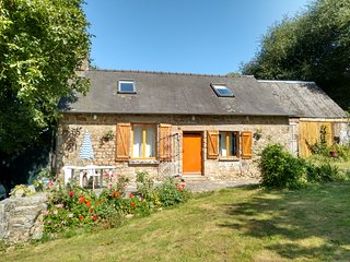 2 bedroom Cottage with Internet Access in Fougeres - Fougeres vacation rentals