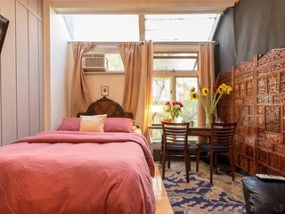 Classic EAST VILLAGE MANHATTAN NEW YORK - New York City vacation rentals