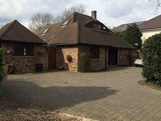 alnwick lodge rm 2 - Double bedroom - Cowley vacation rentals