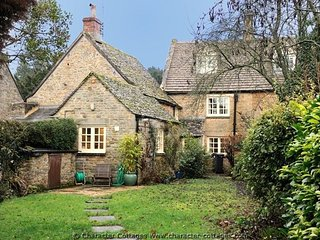 Court Hayes is a lovely Cotswold stone cottage, with an abundance of character - Wyck Rissington vacation rentals
