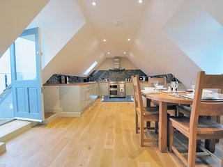 Digbeth Views is a beautifully presented property, set above a lovely courtyard - Stow-on-the-Wold vacation rentals