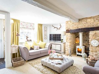 Lovely 4 bedroom Cottage in Longborough with Washing Machine - Longborough vacation rentals
