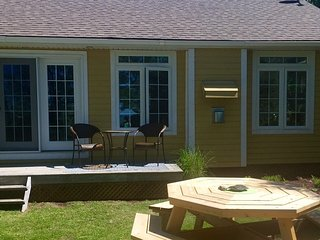 Sunset Ridge at Lanes End - Lake View Cottage - Bayfield vacation rentals