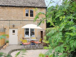 Lovely Naunton Cottage rental with Deck - Naunton vacation rentals