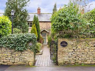 Star Cottage is a traditional Cotswold stone cottage in a beautiful village - Little Compton vacation rentals