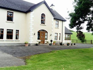Curran View Luxury Accommodation - Ballinamallard vacation rentals