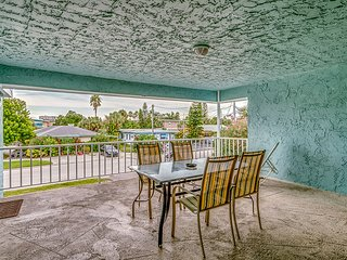 2 bedroom House with Television in Clearwater Beach - Clearwater Beach vacation rentals