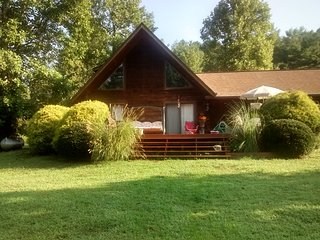 Log Chalet PetFriendly,Creek,Pond/Summer Bookings - Murphy vacation rentals