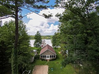 Lkfront Private Beach & Dock-Sunset Beach House - Pullman vacation rentals