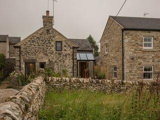 Coachman's Cottage, 2br Cruck cottage, Brassington - Brassington vacation rentals