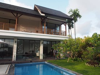 Oceanside villa near Candidasa village - Manggis vacation rentals