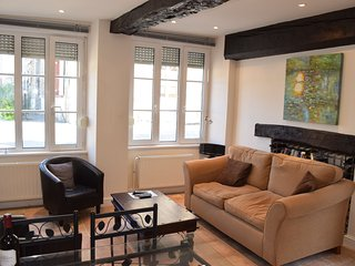 Lovely Cottage with Internet Access and Satellite Or Cable TV - Dinan vacation rentals