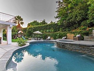 3BR Dazzling Oak Park House w/Private Pool! - Oak Park vacation rentals