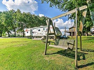 NEW! Riverfront 2BR Savannah Botel Camper! - Savannah vacation rentals