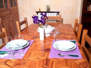 Comfortable House with Satellite Or Cable TV and Parking - Casaprota vacation rentals