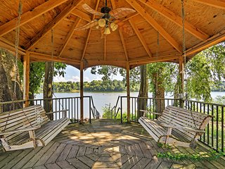 NEW! 2BR Savannah Cottage w/Tennessee River Views! - Savannah vacation rentals