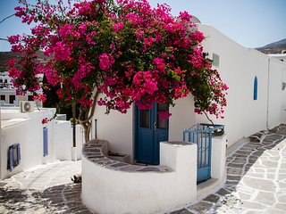 Beautiful Traditional house in Paros - Lefkes vacation rentals