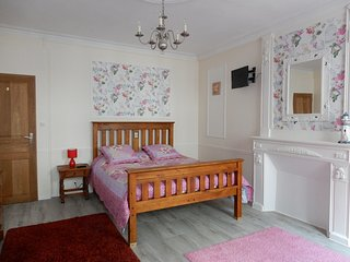 The LightHouse chambres d'hotes in the town centre of Chateaulin. - Chateaulin vacation rentals