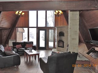 4 bedroom House with Internet Access in Sainte-Anne-des-Lacs - Sainte-Anne-des-Lacs vacation rentals