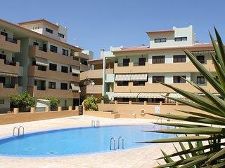 Cozy and Comfortable Apartment with pool sea views - Santa Cruz de Tenerife vacation rentals