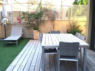 Luxury Modern Duplex with a Garden - Tel Aviv vacation rentals
