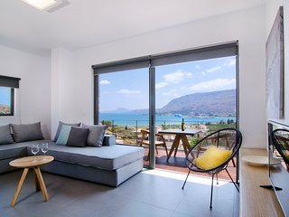 Bright Condo with Housekeeping Included and Television - Souda vacation rentals