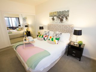 MeU Serviced Apartments 5 - Melbourne vacation rentals