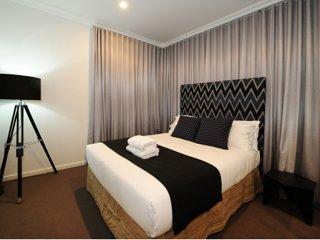 Kirsten Serviced Accommodation- Lewis House Mudgee - Mudgee vacation rentals