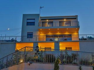 Beautiful 5 bedroom Villa in Kalivia with Internet Access - Kalivia vacation rentals