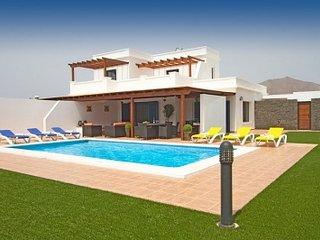4 bedroom Villa in Playa Blanca, Canary Islands, Lanzarote, Canary Islands - Playa Blanca vacation rentals