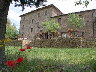 4 bedroom Villa in Siena, Tuscany, Italy : ref 2022511 - Chiusdino vacation rentals