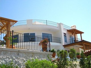 4 bedroom Villa in Kalkan, Mediterranean Coast, Turkey : ref 2022534 - Kalkan vacation rentals