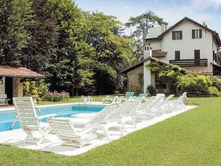 5 bedroom Villa in Torreglia, Veneto, Veneto Countryside, Italy : ref 2039304 - Luvigliano vacation rentals