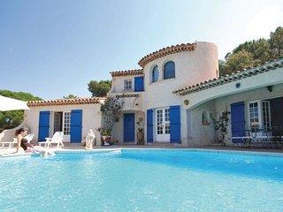 3 bedroom Villa in Saint Maxime, Cote D Azur, Var, France : ref 2042410 - Saint-Maxime vacation rentals