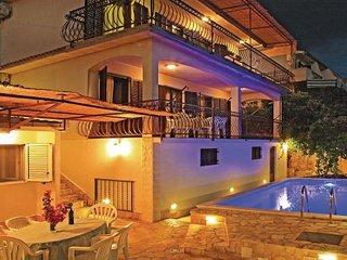 5 bedroom Villa in Ciovo, Central Dalmatia, Croatia : ref 2043496 - Okrug Gornji vacation rentals