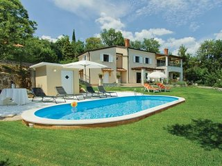 4 bedroom Villa in Opatija, Kvarner, Croatia : ref 2044287 - Opric vacation rentals