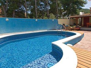 4 bedroom Villa in Ciovo, Central Dalmatia, Croatia : ref 2046856 - Slatine vacation rentals