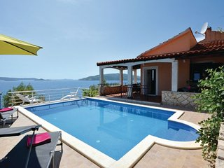 6 bedroom Villa in Ciovo, Central Dalmatia, Croatia : ref 2088408 - Okrug Donji vacation rentals
