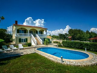 5 bedroom Villa in Duga Uvala, Istria, Croatia : ref 2088452 - Kavran vacation rentals