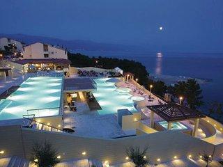 2 bedroom Apartment in Novi Vinodolski, Kvarner, Croatia : ref 2088841 - Novi Vinodolski vacation rentals