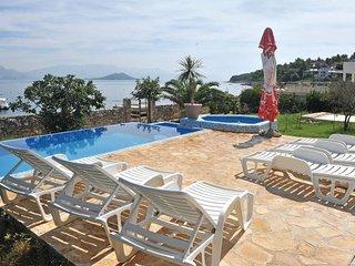 6 bedroom Villa in Ciovo, Central Dalmatia, Croatia : ref 2095604 - Slatine vacation rentals