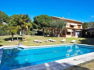 5 bedroom Villa in Sant Andreu de Llavaneres, Barcelona Costa Norte, Spain : ref 2097086 - Sant Andreu de Llavaneres vacation rentals
