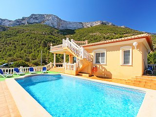 5 bedroom Villa in Denia, Costa Blanca, Spain : ref 2099629 - Denia vacation rentals