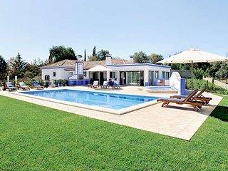 3 bedroom Villa in Boliqueime, Vilamoura, Algarve, Portugal : ref 2132997 - Boliqueime vacation rentals