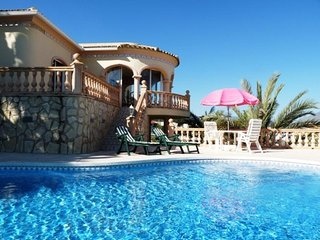 4 bedroom Villa in Altea, Alicante, Costa Blanca, Spain : ref 2135050 - L'Alfas del Pi vacation rentals